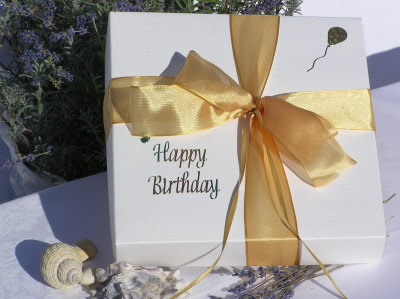 WHITSTABLE LAVENDER SILVER SPECIAL GIFT BOX - ANNIVERSARIES ...